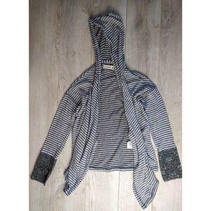 Abercrombie Kid Open Face Grey Stripped Sweater M